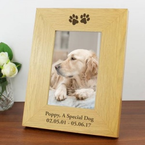 Personalised 6 x 4 Wood Photo Frame - Paw Prints